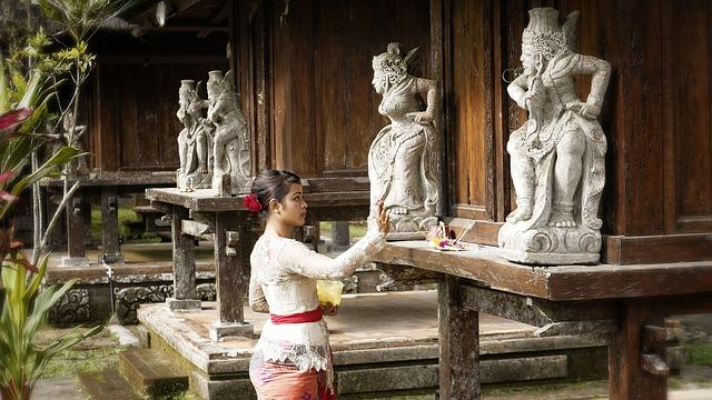 Molitva u hramu