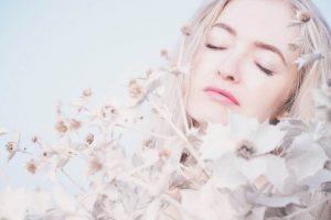 bela glina za lice - blagotvorni mineral za lice