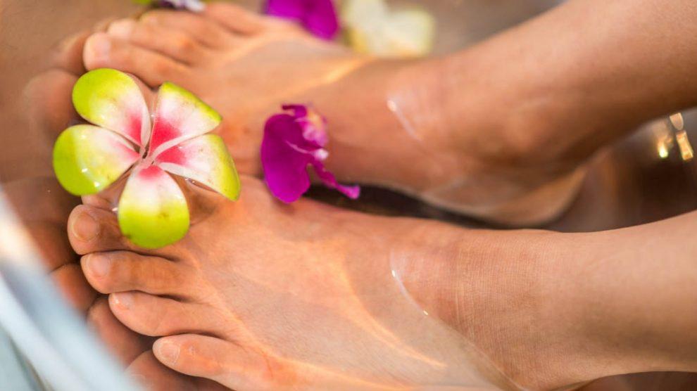 estetski pedikir stopala za negu peta, noktiju i stopala