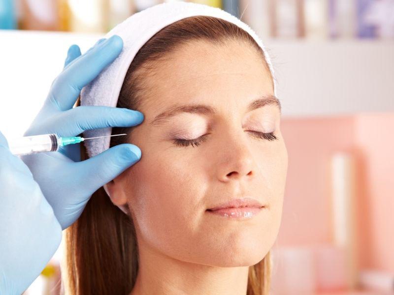 podizanje obrva botoksom