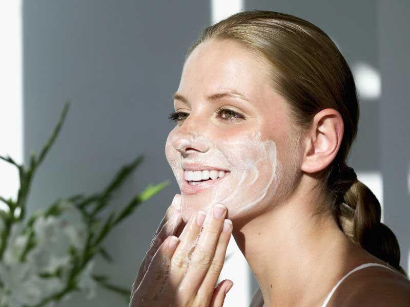 Krema za lice sa hijaluronskom kiselinom