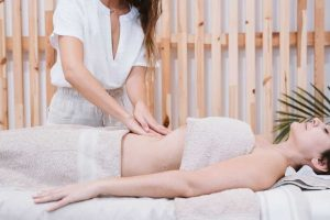 anticelulit masaža stomaka